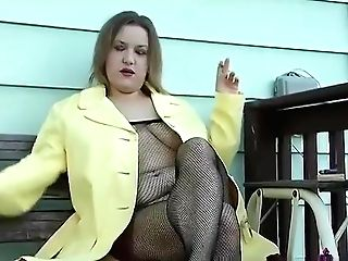 Smoking Fishnet Assets Stocking In Yellow - Alhana Winter - Antique Rs Infatuation
