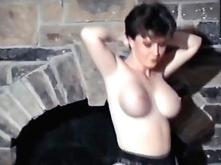 Fuckfest Machine - Big Elastic Brit Tits Unwrap Dance