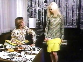 De-robe For Activity (1974) Aka Madchen, Die Sich Hocharbeiten